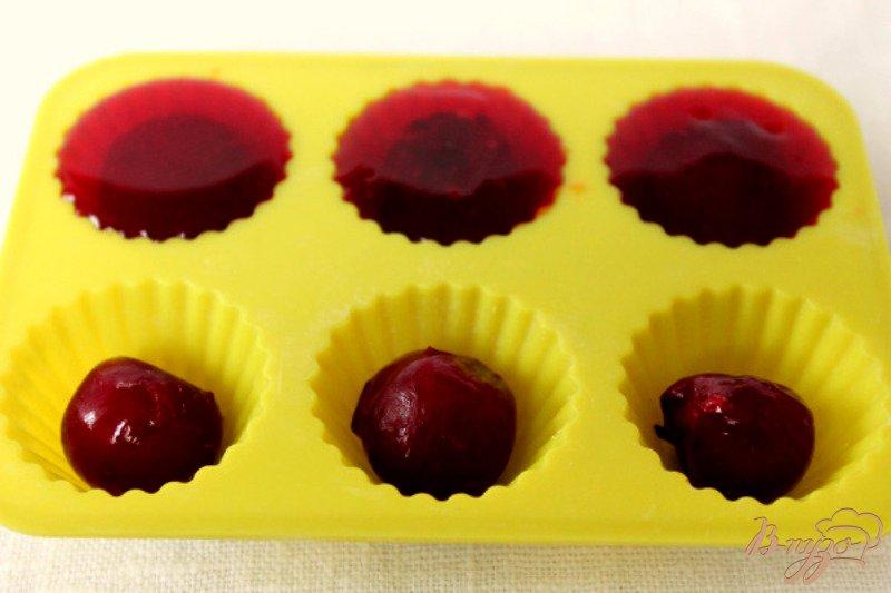Фото приготовление рецепта: Вишневый мармелад шаг №4