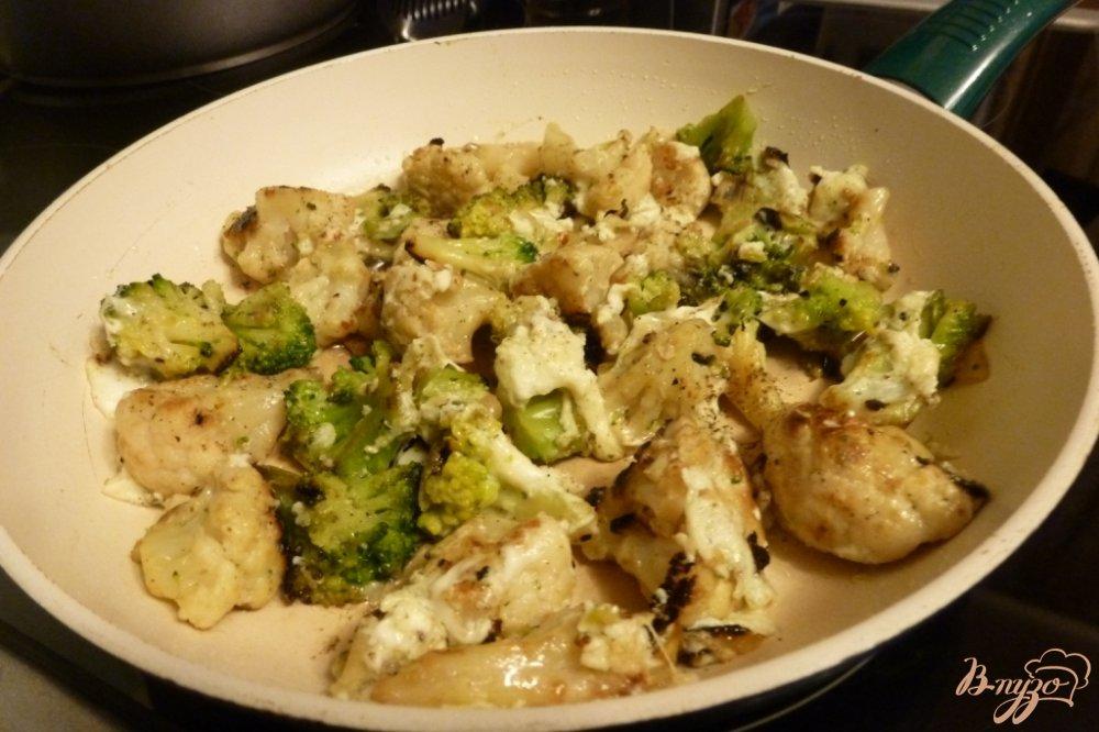 Фото приготовление рецепта: Гарнир из брокколи и цветной капусты шаг №4