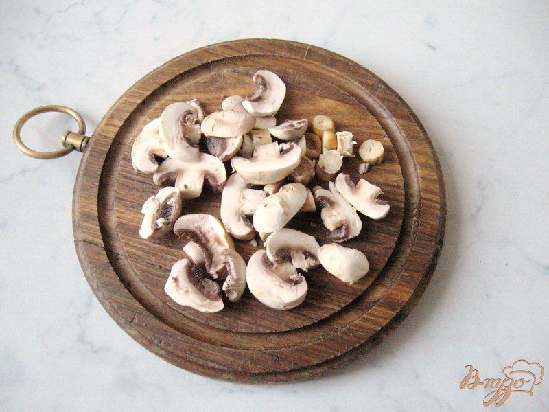 Фото приготовление рецепта: Рассольник с грибами шаг №4