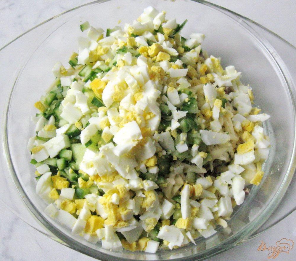Салат с куриными желудками и зеленым горошком