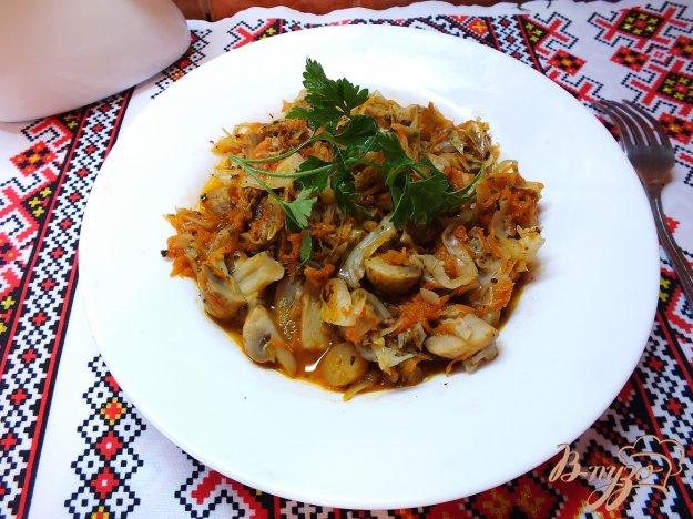 Рецепт Капуста тушеная с овощами и шампиньонами