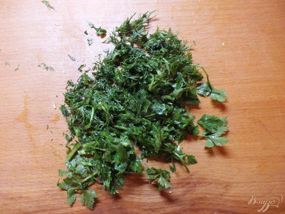 Фото приготовление рецепта: Салат овощной с изюмом и кунжутным маслом шаг №3