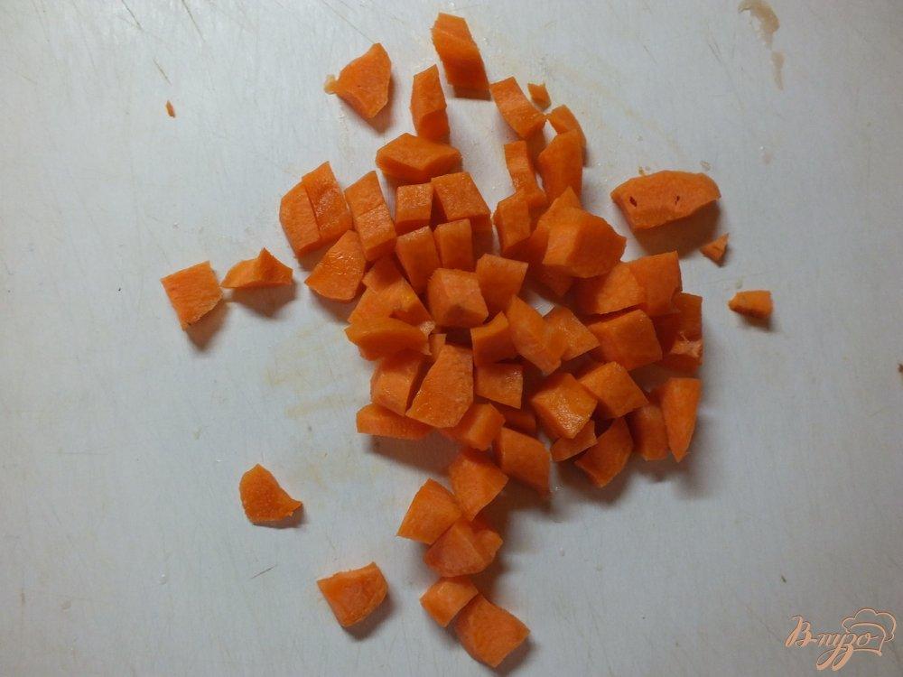 Фото приготовление рецепта: Суп овощной с кукурузными  початками и дайконом шаг №2