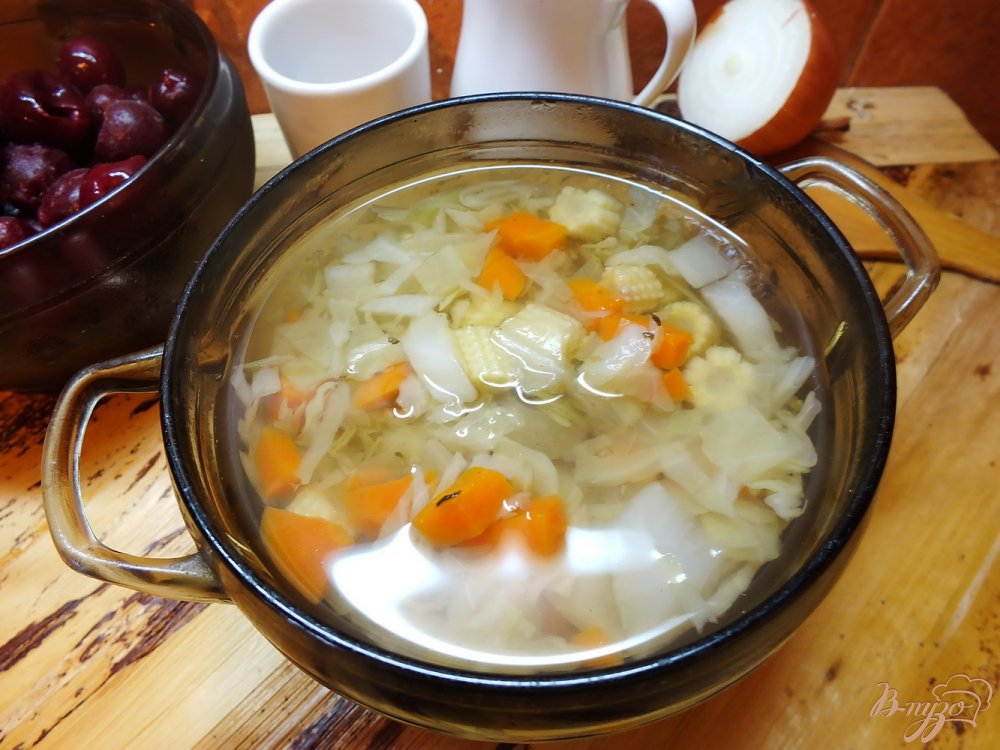 Фото приготовление рецепта: Суп овощной с кукурузными  початками и дайконом шаг №6