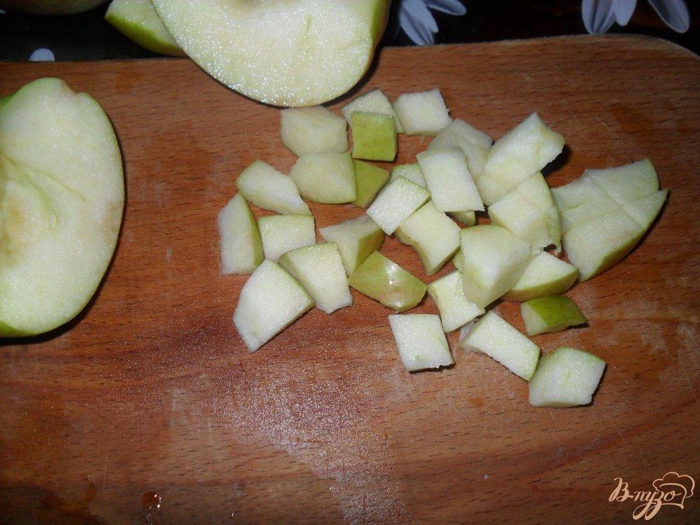 Фото приготовление рецепта: Слойки с яблоками шаг №2