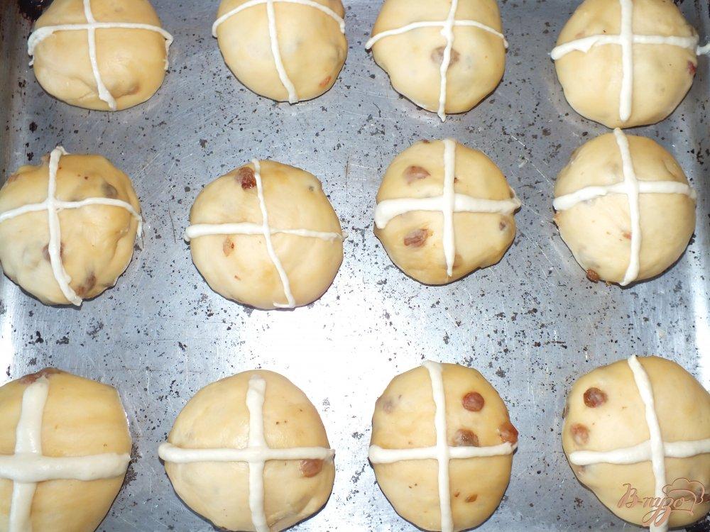 Фото приготовление рецепта: Пасхальные булочки шаг №7