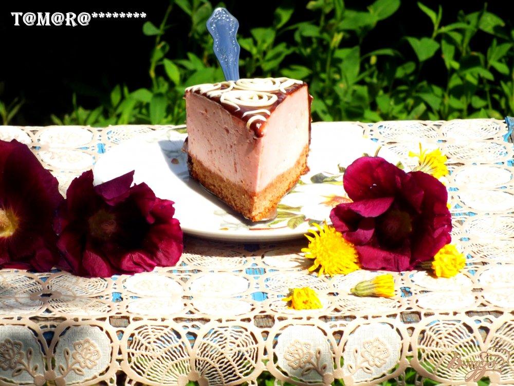 Фото приготовление рецепта: Торт с малиновым суфле шаг №9