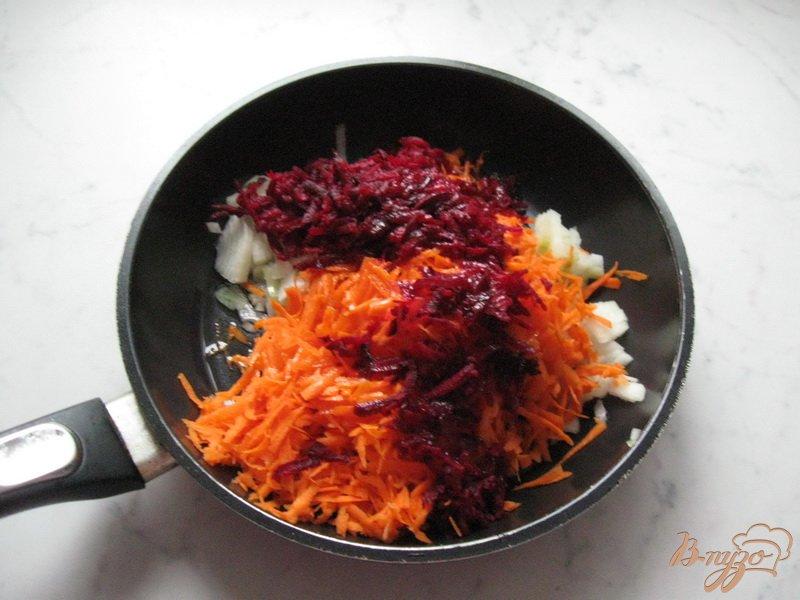 Фото приготовление рецепта: Борщ с квашеной капустой шаг №3