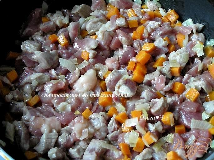 Фото приготовление рецепта: Рагу из индейки с брюссельской капустой шаг №2