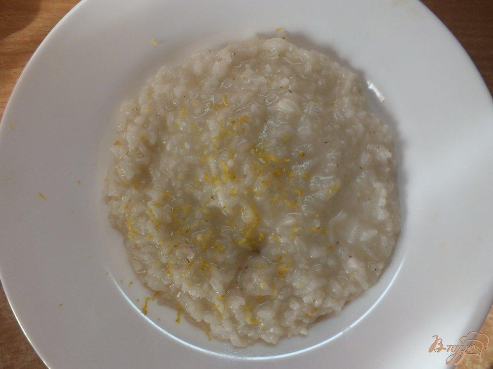 Фото приготовление рецепта: Имбирный рис с лимоном и корицей шаг №6