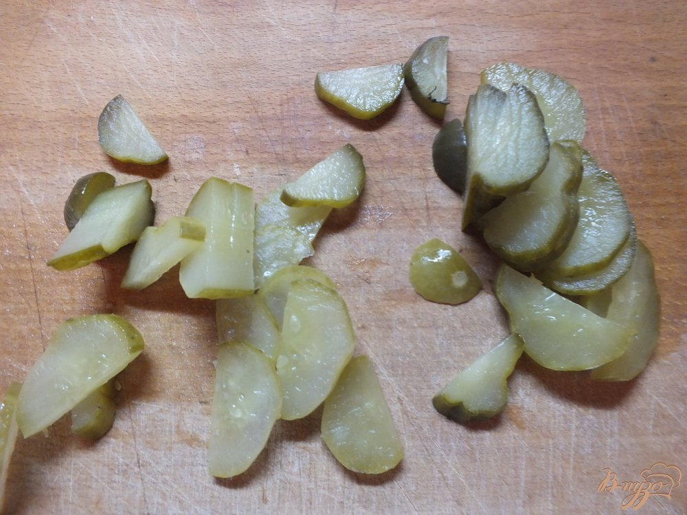 Фото приготовление рецепта: Суп из говядины с соленым огурцом шаг №2