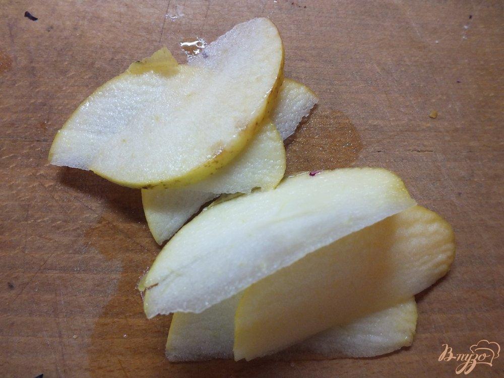 Фото приготовление рецепта: Салат из яблок и пекинской капусты шаг №1