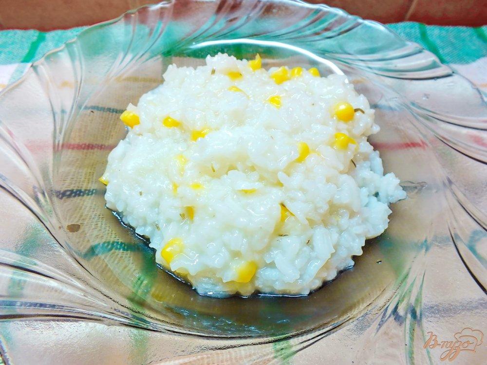 Фото приготовление рецепта: Рис с розмарином и кукурузой шаг №5