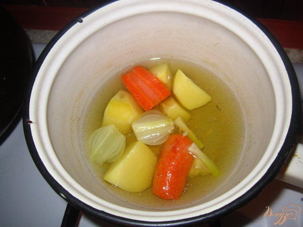 Фото приготовление рецепта: Детский крем суп с кроликом шаг №3