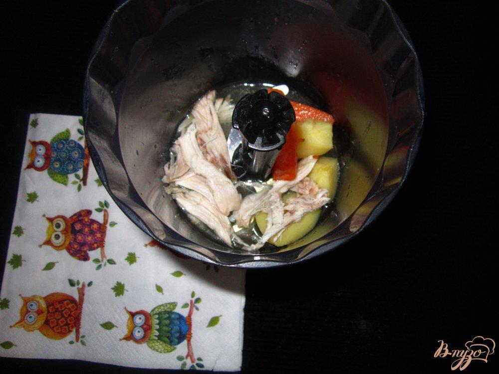 Фото приготовление рецепта: Детский крем суп с кроликом шаг №4