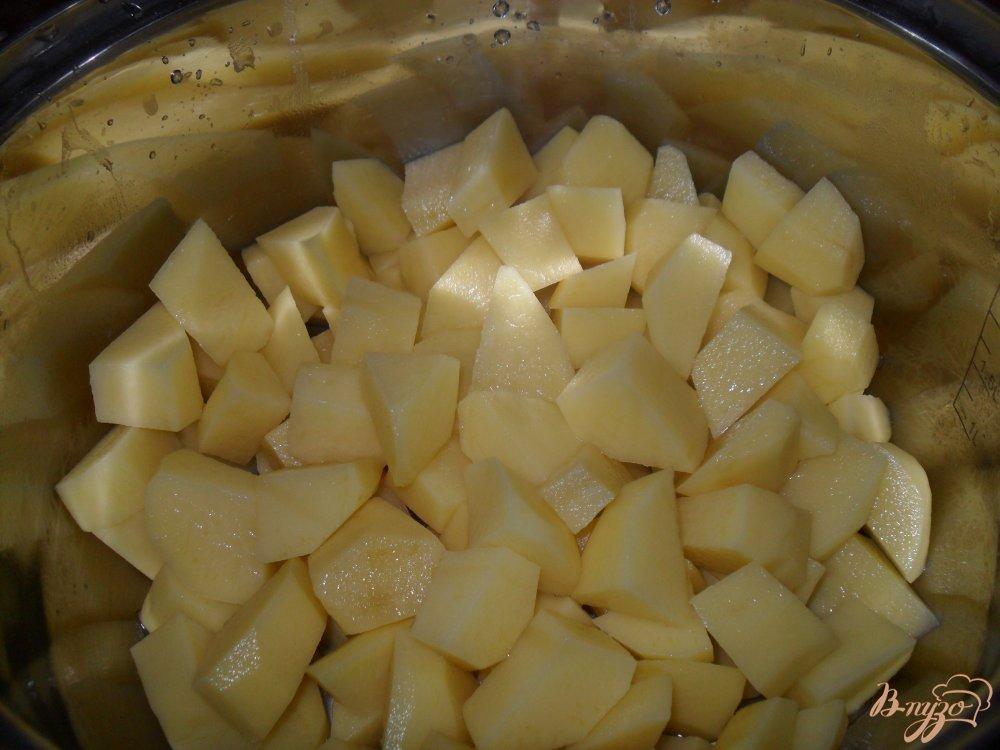 Фото приготовление рецепта: Суп с колбасой шаг №1