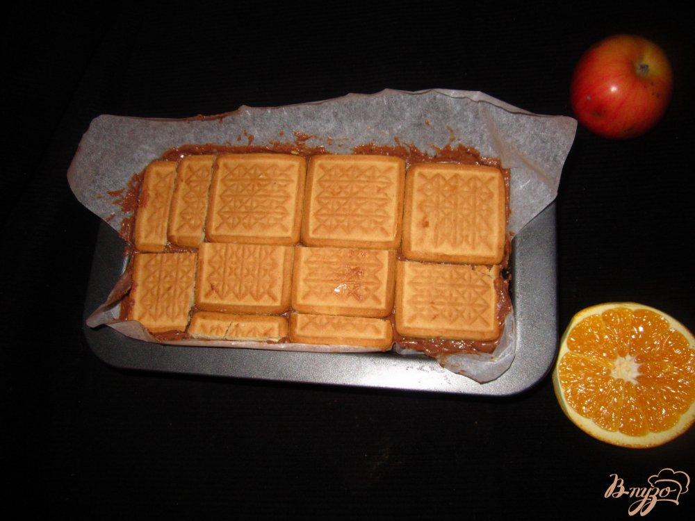 Фото приготовление рецепта: Торт из печенья и сухого молока шаг №6