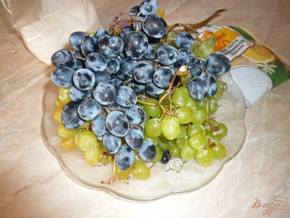 Фото приготовление рецепта: Простое виноградное варенье шаг №1