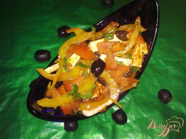фото рецепта: Салат помидорный с брынзой