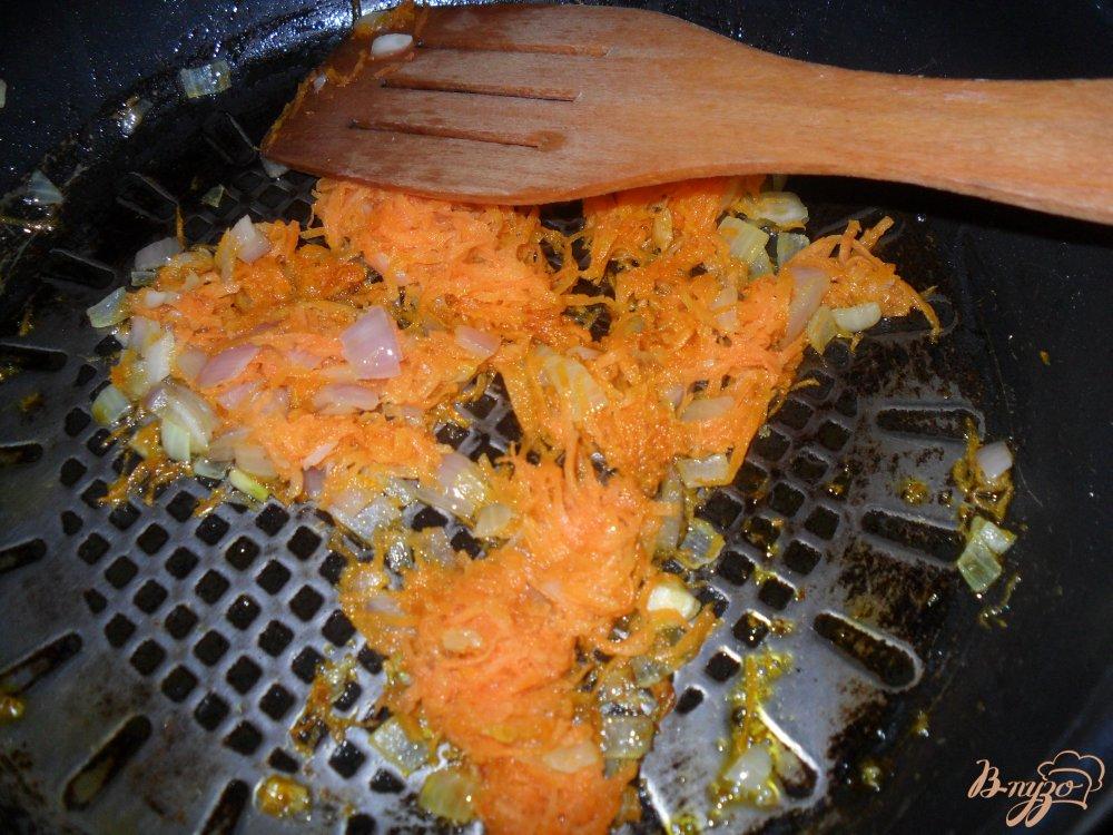 Фото приготовление рецепта: Сырный суп по-французки шаг №3