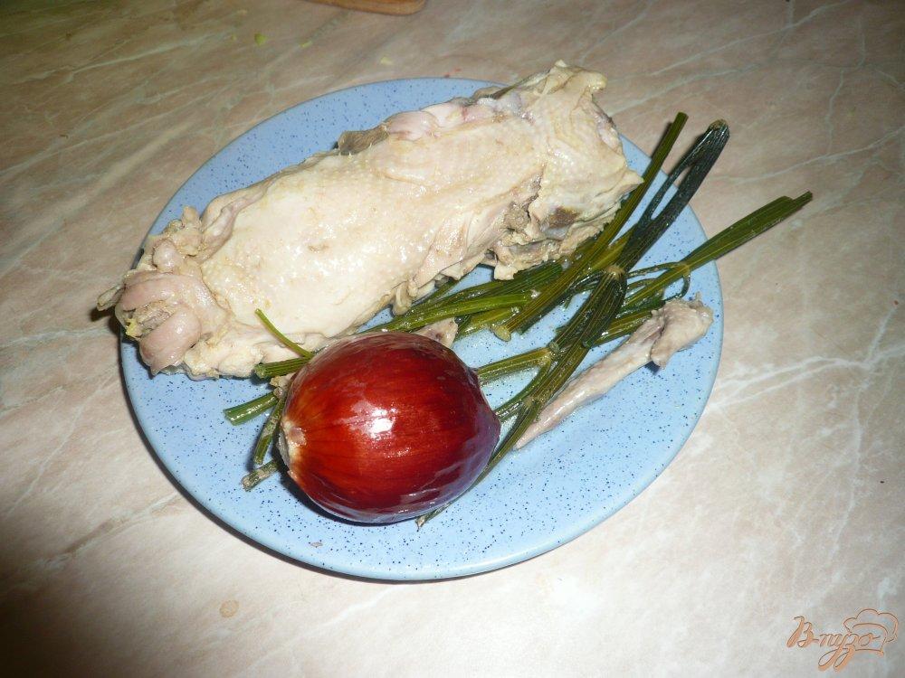 Фото приготовление рецепта: Щи на курином бульоне с луком пореем шаг №4