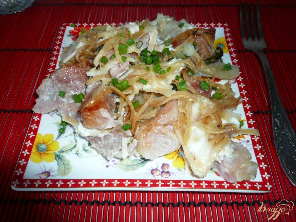Фото приготовление рецепта: Свинина запеченная с картофелем шаг №11