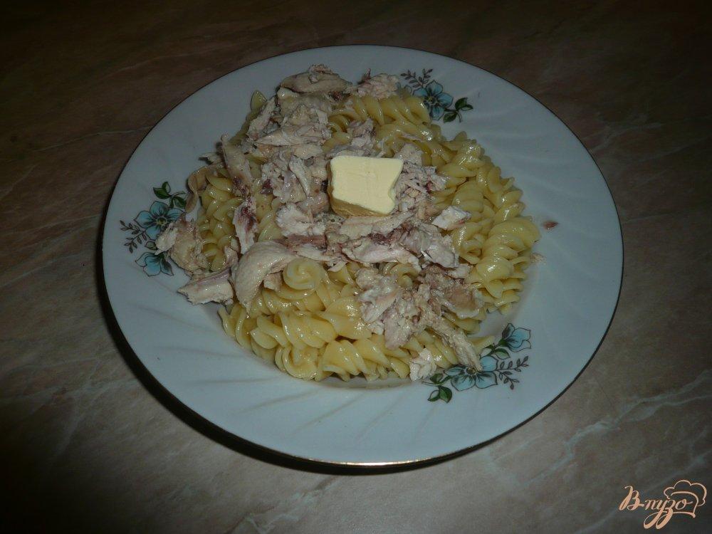 Фото приготовление рецепта: Макароны с отварной курицей шаг №5
