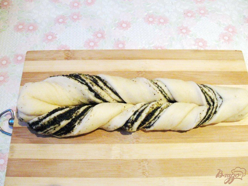 Фото приготовление рецепта: Плетенка с маком шаг №10