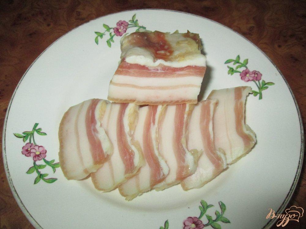 Фото приготовление рецепта: Сало с чесноком шаг №4