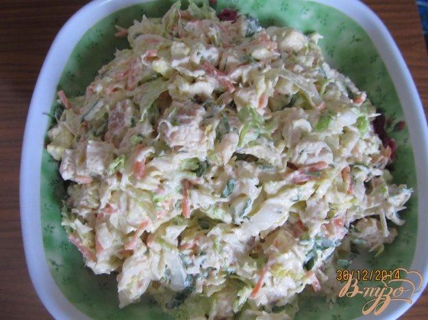 Салат с пекинской капустой и колбасой с фото