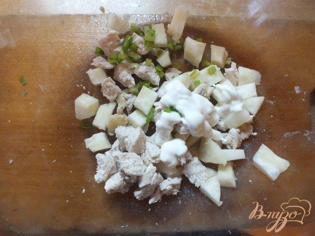Салат из отварного корня сельдерея
