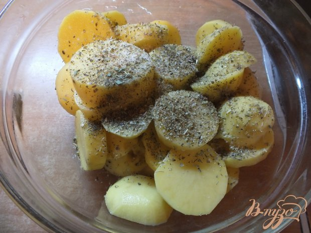 Картофель королевский с курицей и травами