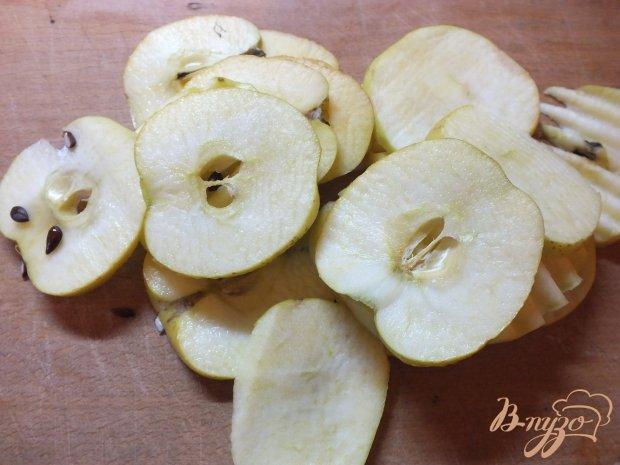 Сушеные яблоки с корицей и гвоздикой в духовке