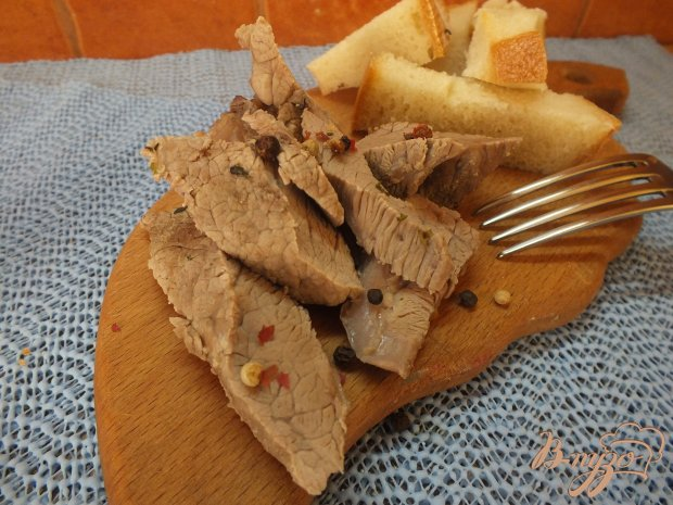 Мясо с шафраном и тимьяном
