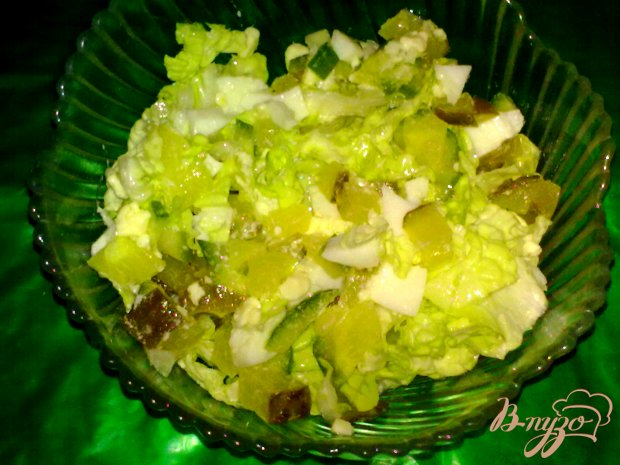 Салат из пекинской капусты с яйцом