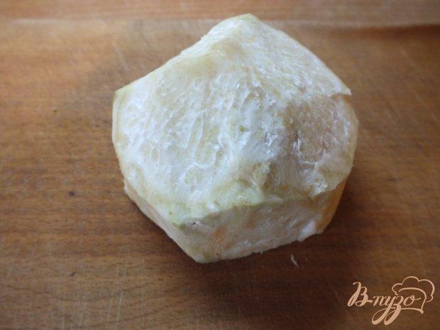 Салат из корня сельдерея с яйцом