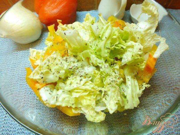 Салат из болгарского перца и двух видов капусты
