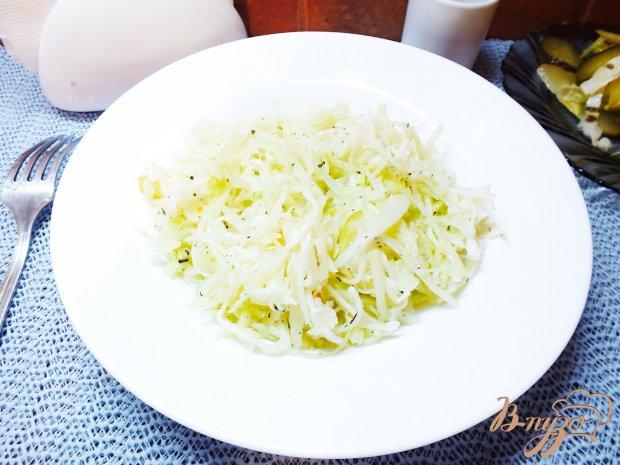 Зимний салат из кислой капусты и дайкона