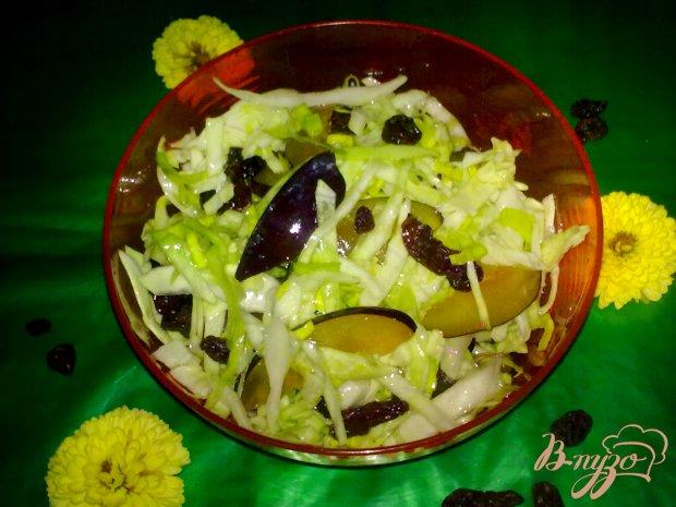 Салат из капусты со сливой