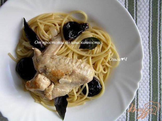 Курица, тушеная с черносливом