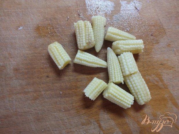 Салат с пекинской капустой и початками кукурузы