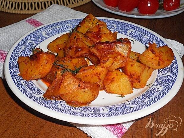 Картофель в томатном соусе в мультиварке