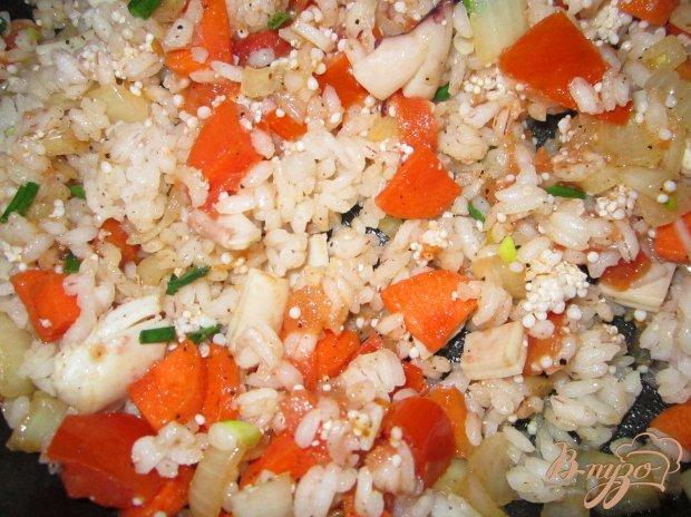 Кальмар фаршированный рисом и овощами