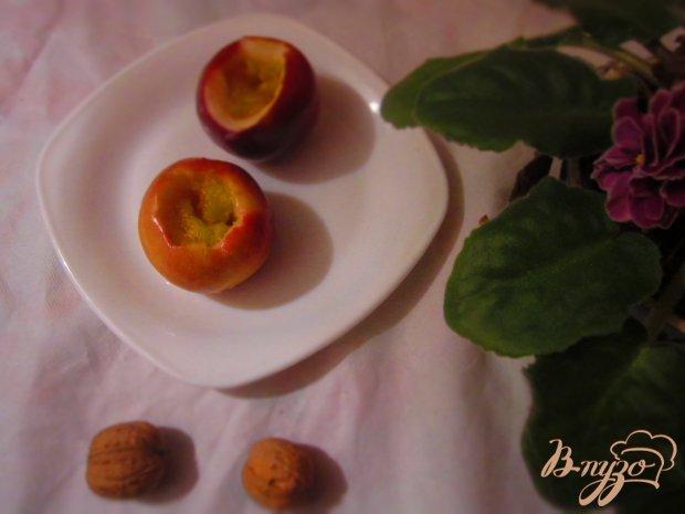 Яблоки запеченные со сливой