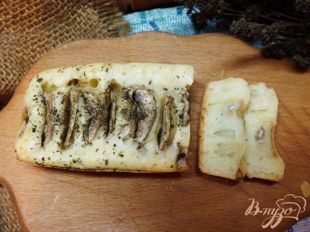 Кекс-хлеб с шампиньонами на белом вине