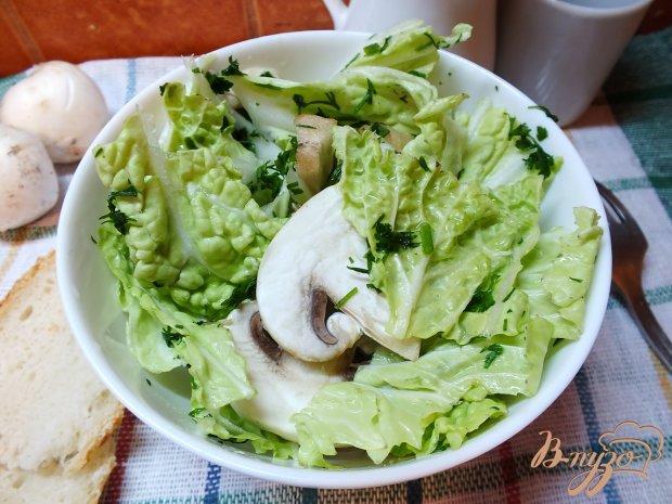 Салат куриный с сырыми шампиньонами