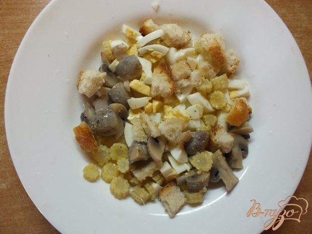 Яичный салат с вареными ампиньонами