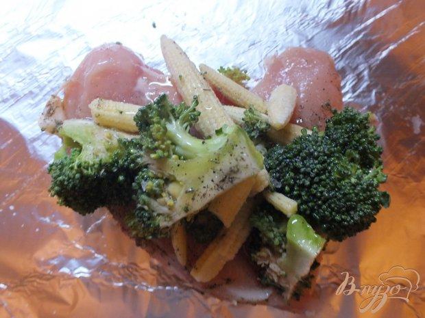 Курица запеченная с брокколи и кукурузными початками