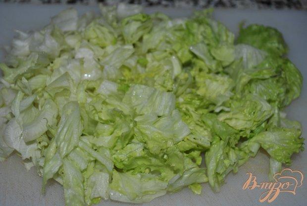 Салат с пророщенной чечевицей и зеленью