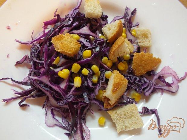 Салат из краснокачанной капусты с отварной кукурузой